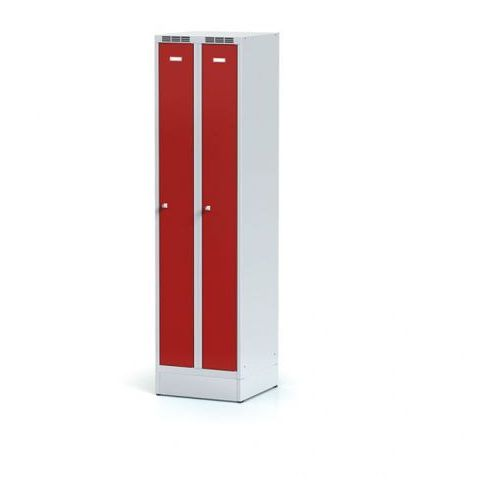 Alfa 3 Metalowa szafka ubraniowa, wąska, na cokole, czerwone drzwi, zamek obrotowy