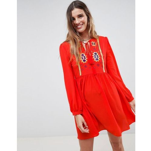 Glamorous Smock Dress With Tassle Ties And Embroidery - Red, kolor zielony