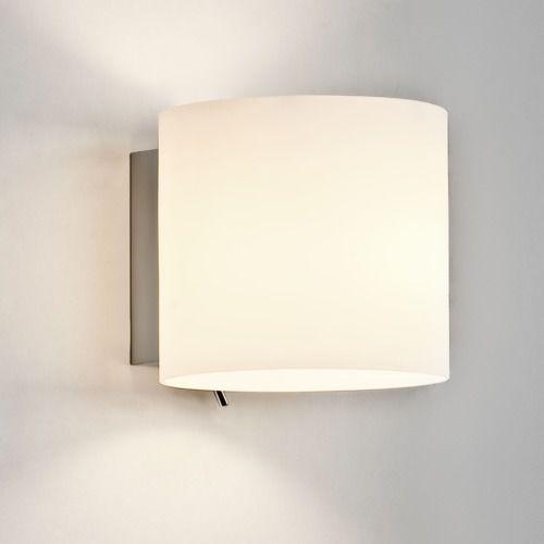 Luga switched wall light marki Astro