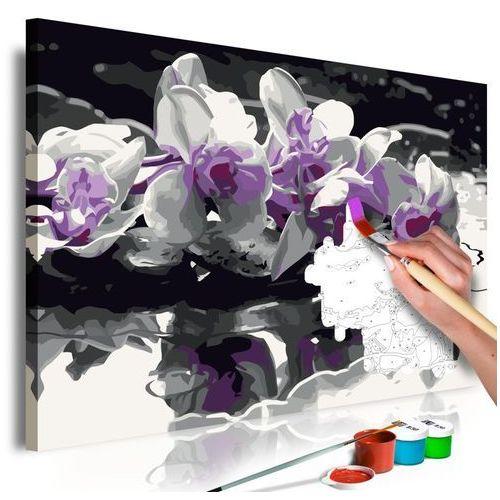 Obraz do samodzielnego malowania - fioletowa orchidea (czarne tło i odbicie w wodzie) marki Artgeist