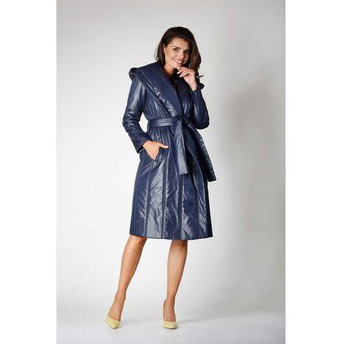 Granatowy długi pikowany płaszcz z kapturem marki Nommo