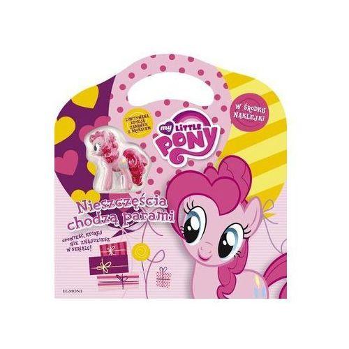 Teczka z prezentem. My Little Pony. Nieszczęścia chodzą parami Jamrógiewicz Marta