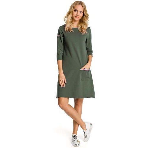 b9167fd03a Khaki sukienka trapezowa dzianinowa z ozdobnymi tasiemkami marki Moe 118