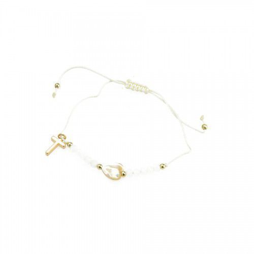 Biała bransoletka religijna z charmsami w postaci serca i krzyża