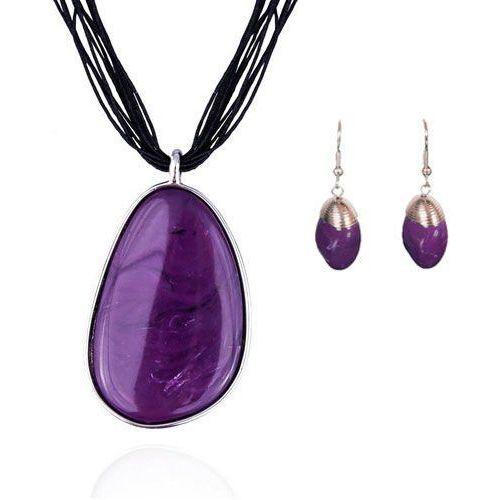f060109a9bdeea Komplet z fioletowymi kamieniami: naszyjnik i kolczyki, kolor fioletowy  62,80 zł dekoracyjny naszyjnik, którego głównym elementem jest duża  zawieszka ...
