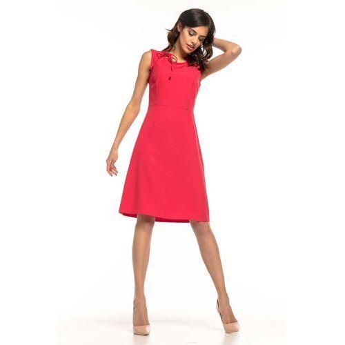 36e435556b Malinowa koktajlowa sukienka z trapezowym dołem bez rękawów marki Tessita  138