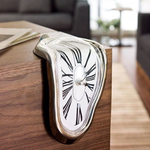 Gadget master Cieknący zegar salvadora dalí