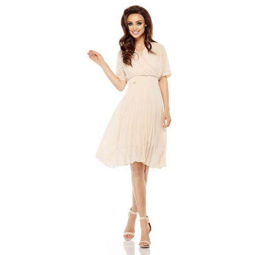 Beżowa elegancka kopertowa sukienka z plisowanym dołem marki Lemoniade