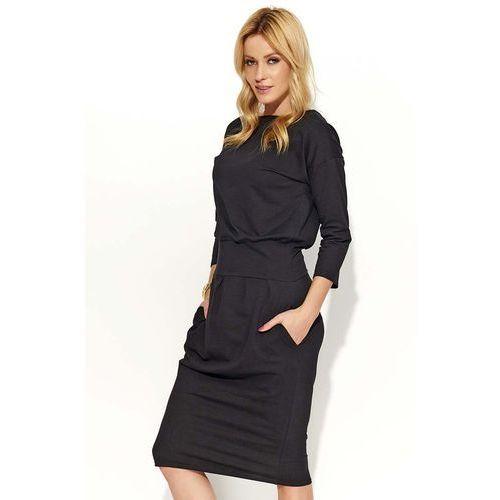 Czarna sukienka bombka z kieszeniami marki Makadamia