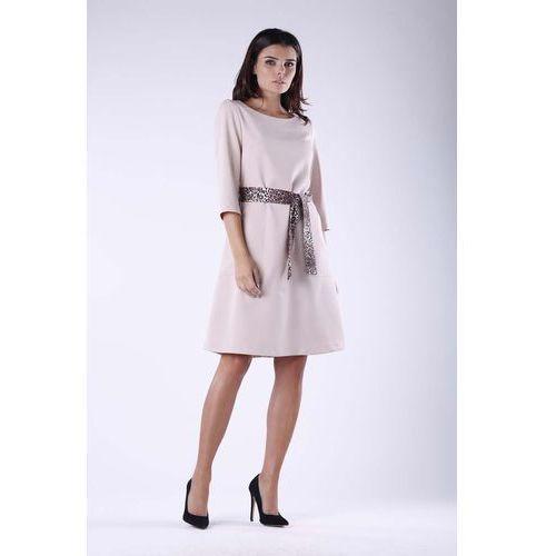 66d3347a27 Beżowa Dzianinowa Rozkloszowana Sukienka z Wiązanym Paskiem 158