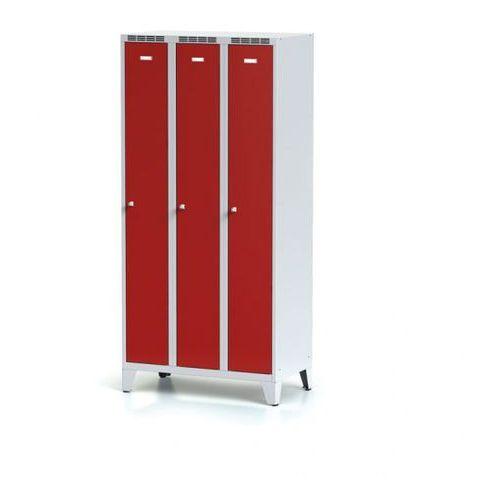 Metalowa szafka ubraniowa trzydrzwiowa, na nogach, czerwone drzwi, zamek obrotowy marki Alfa 3