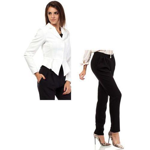 Zestaw Taliowany krótki żakiet ecru i spodnie chino czarne, kolor czarny