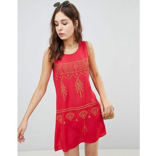 Glamorous Sleeveless Mini Shift Dress With Contrast Embroidery - Red, kolor zielony