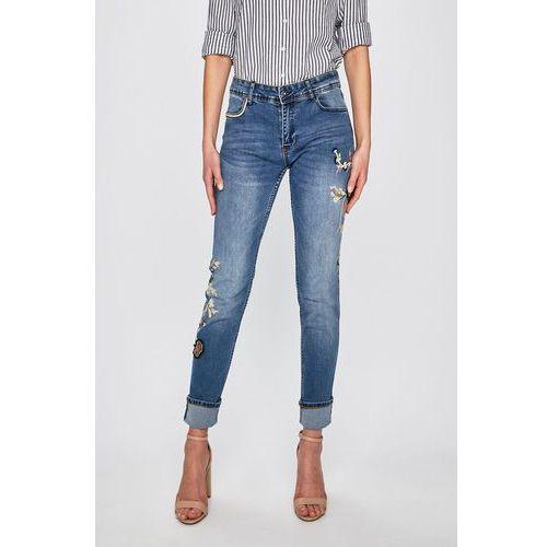 - jeansy barcelona flowers marki Desigual