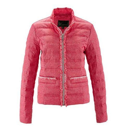 Kurtka pikowana z materiału w optyce dżinsu bonprix różowy hibiskus - biały z nadrukiem, kolor różowy