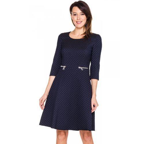 Granatowa sukienka w tłoczone kółka - Potis & Verso, kolor niebieski