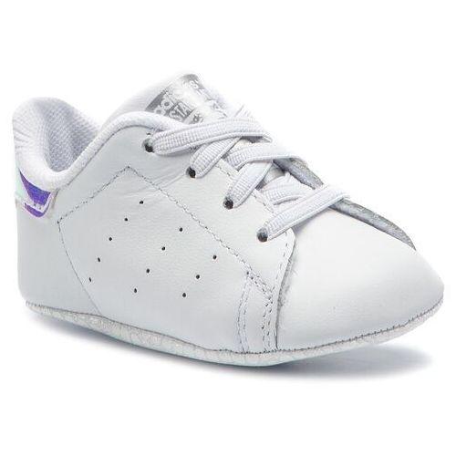 finest selection 3af90 ee640 Buty adidas - Stan Smith Crib CG6543 Ftwwht Ftwwht Silvmt, kolor biały  149,00 zł W propozycjach marki adidas komfortowe buty dziewczęce.