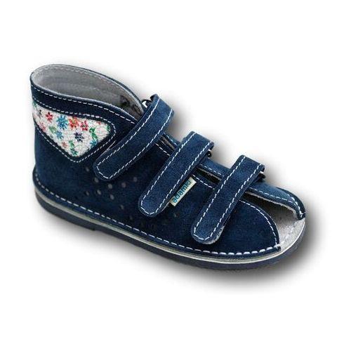 0c26c62d profilaktyczne buty wzór 016n-1 jeans/białe kwiaty marki Adamki 98,00 zł  Zdrowotne kapcie marki ADAMKI stworzone ze skóry naturalnej welurowej.