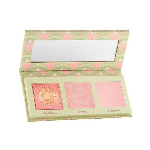 Mini cheekleaders pink squad - minipaleta róży i rozświetlaczy marki Benefit cosmetics