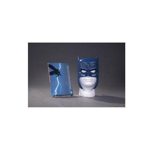 Batman: The Dark Knight Returns Book and Mask Set (9781401267742)