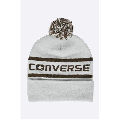 - czapka marki Converse