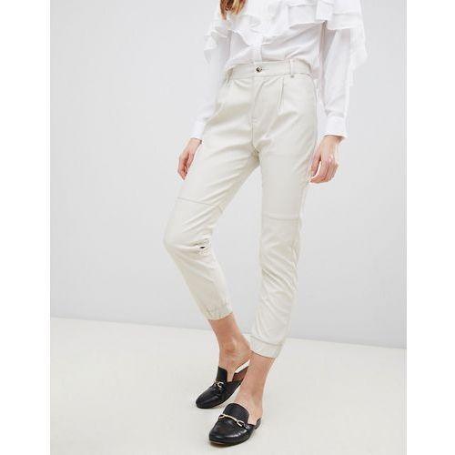 Glamorous Faux Leather Cropped Trousers - Cream, w 3 rozmiarach