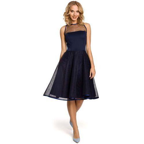 Granatowa wieczorowa sukienka z prześwitującym modnie karczkiem marki Moe