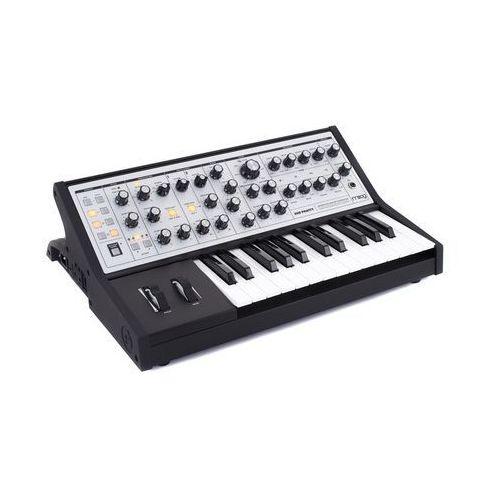 sub phatty syntezator analogowy marki Moog