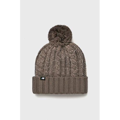 - czapka marki New balance