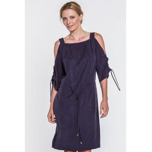 c88328c915 Granatowa sukienka z odkrytymi ramionami Magenta - Potis   Verso 4 988