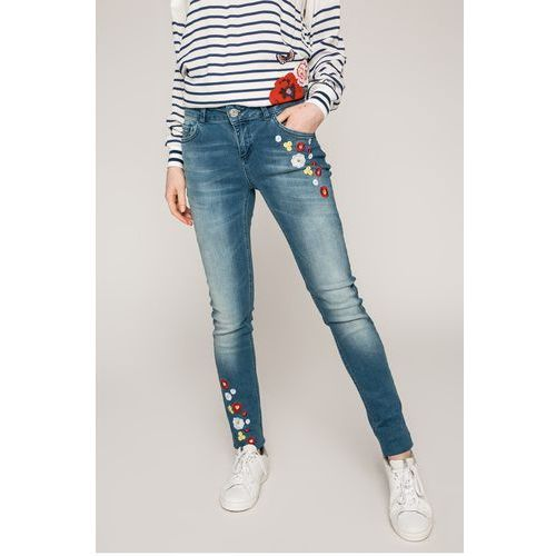 - jeansy loriane marki Desigual