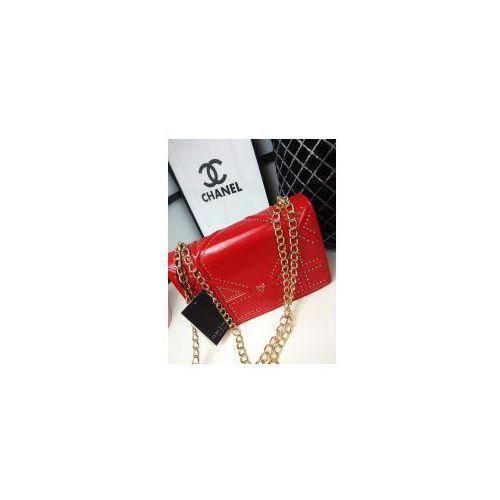 Czerwona torebka złoty łańcuszek marki Eva minge