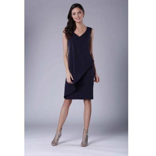 f81b95fa4a Granatowa dopasowana sukienka bez rękawów z asymetryczną falbaną marki  Nommo 142