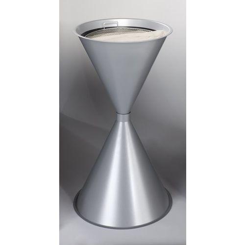 Stożkowa popielniczka stojąca, blacha stalowa, lakierowana proszkowo, srebrny. z marki Var fahrzeug- und apparatebau