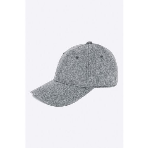 - czapka font marki Pepe jeans