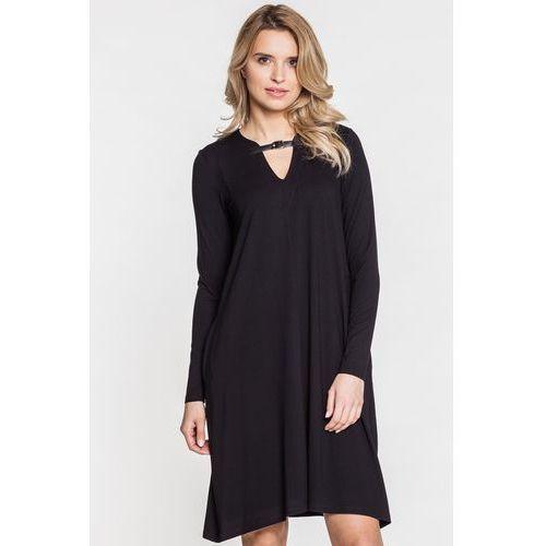 954259a7ca040d Czarna sukienka z zapięciem na dekolcie - marki Rabarbar 249,00 zł Czarna  sukienka wizytowa. Ozdabia ją na dekolcie zapięcie. Ma długie rękawy i  długość do ...