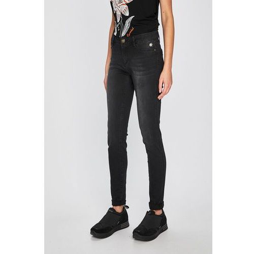 - jeansy sky marki Desigual