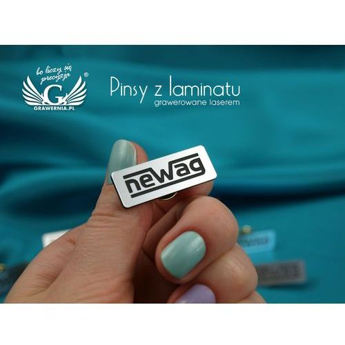 Przypinki/pinsy mini z twoim logo - grawer laserem - ps011 marki Grawernia.pl - grawerowanie i wycinanie laserem