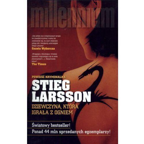 Dziewczyna, która igrała z ogniem - Stieg Larsson, CZARNA OWCA