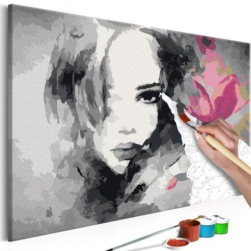 Obraz do samodzielnego malowania - czarno-biały portret z różowym kwiatem marki Artgeist