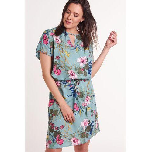 4d4e72820 Letnia sukienka w kwiaty, kolor zielony 269,00 zł Sukienka niebieska z  wzorem wielobarwnych kwiatów. Tworzona z szczególnie przyjemnego, ...