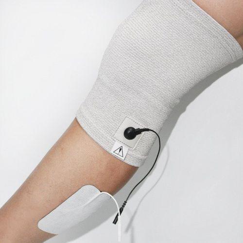 Opaska przewodząca na kolano do elektrostymulacji marki Roovjoy