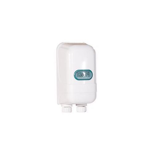 Przepływowy ogrzewacz wody dafi 5,5 kw z nyplami, marki Formaster