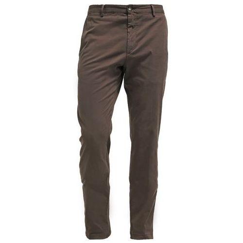 Tommy Hilfiger Tailored WILLIAM Chinosy khaki - produkt z kategorii- spodnie męskie